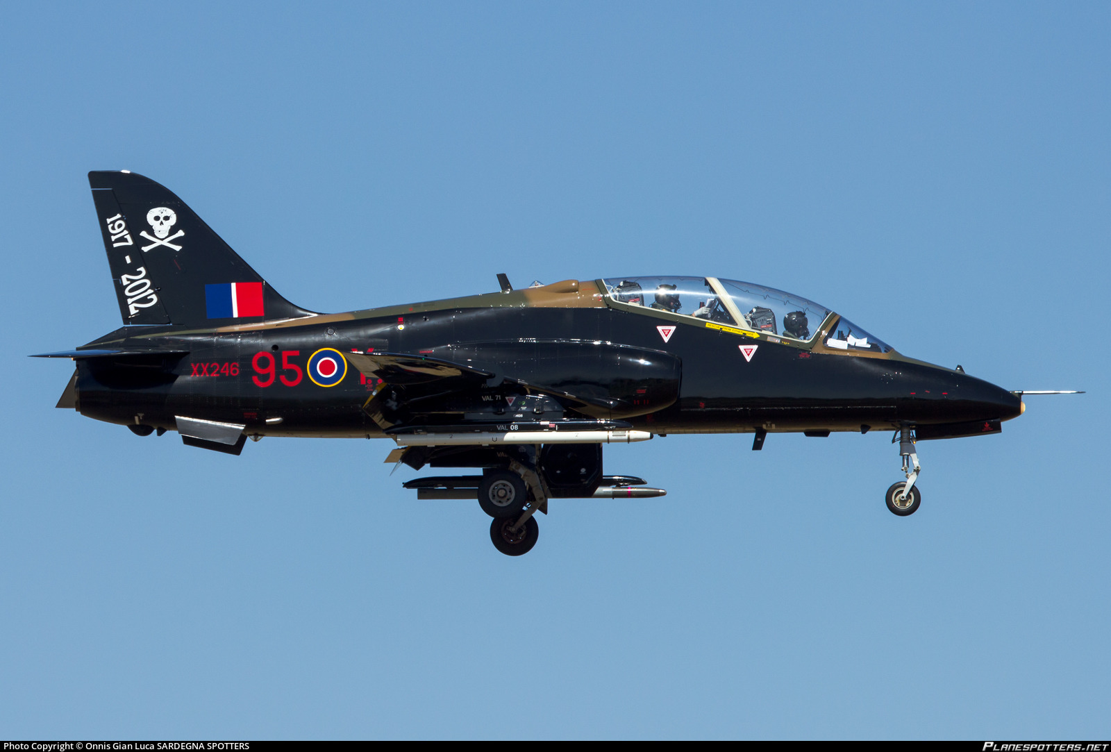 xx246-united-kingdom-royal-air-force-raf-british-aerospace-hawk-t1a_PlanespottersNet_362165_a74871e159